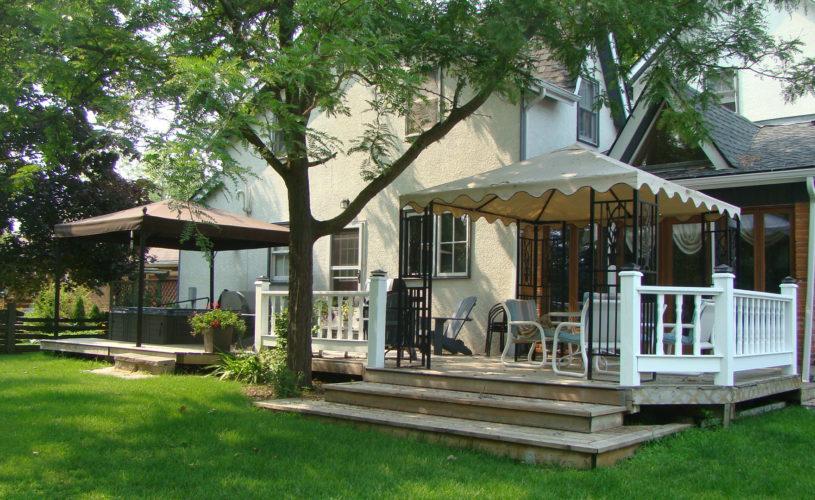 Gables Bed & Breakfast Stayner Ontario - Back Patio